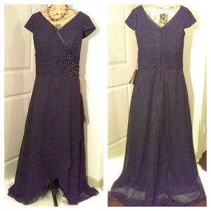 New Black Evening Gown sz 16 w